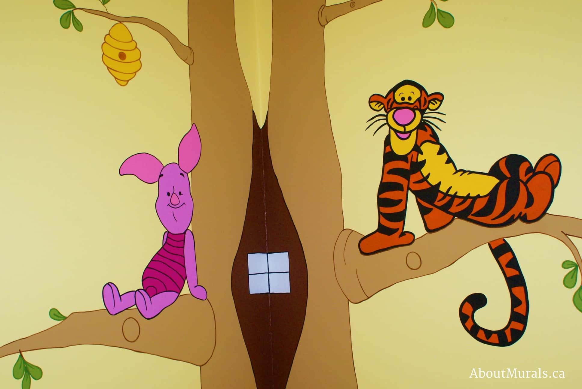 A kids wall mural featuring Tigger and Piglet from Winnie the Pooh