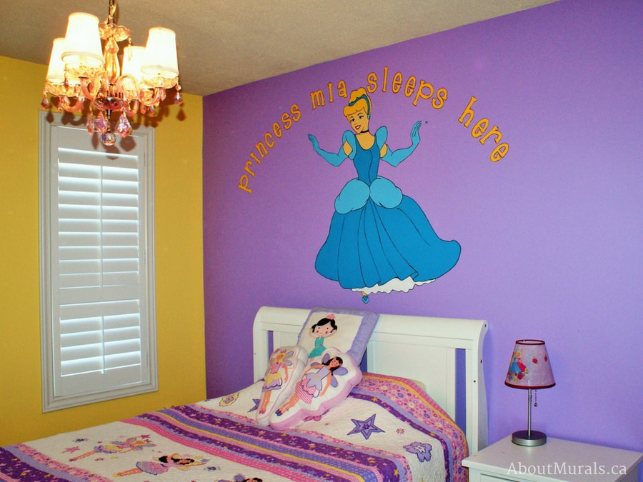 A Cinderella wall mural painted by Adrienne of AboutMurals.ca