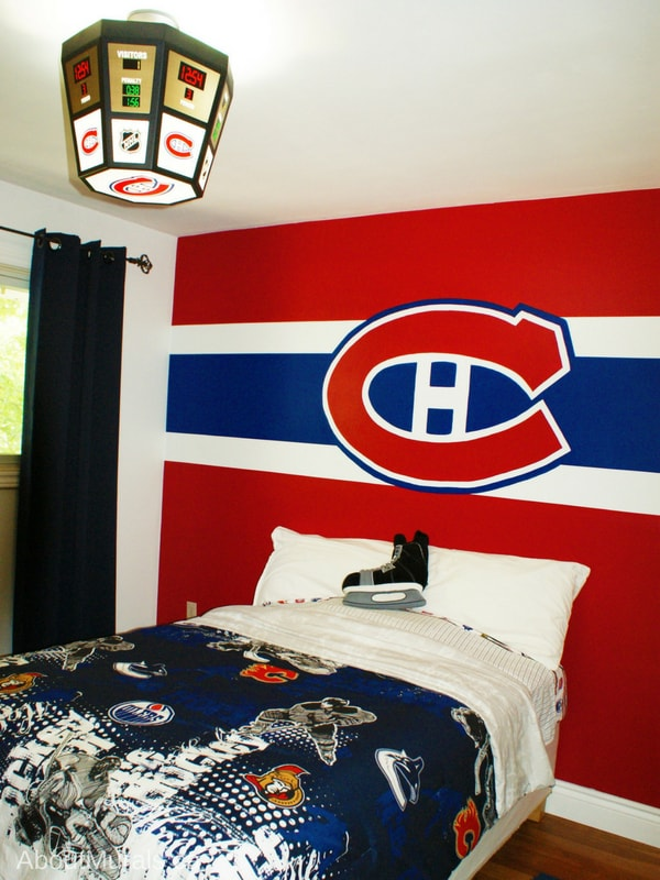 A Montreal Canadiens wall painted by Adrienne of AboutMurals.ca
