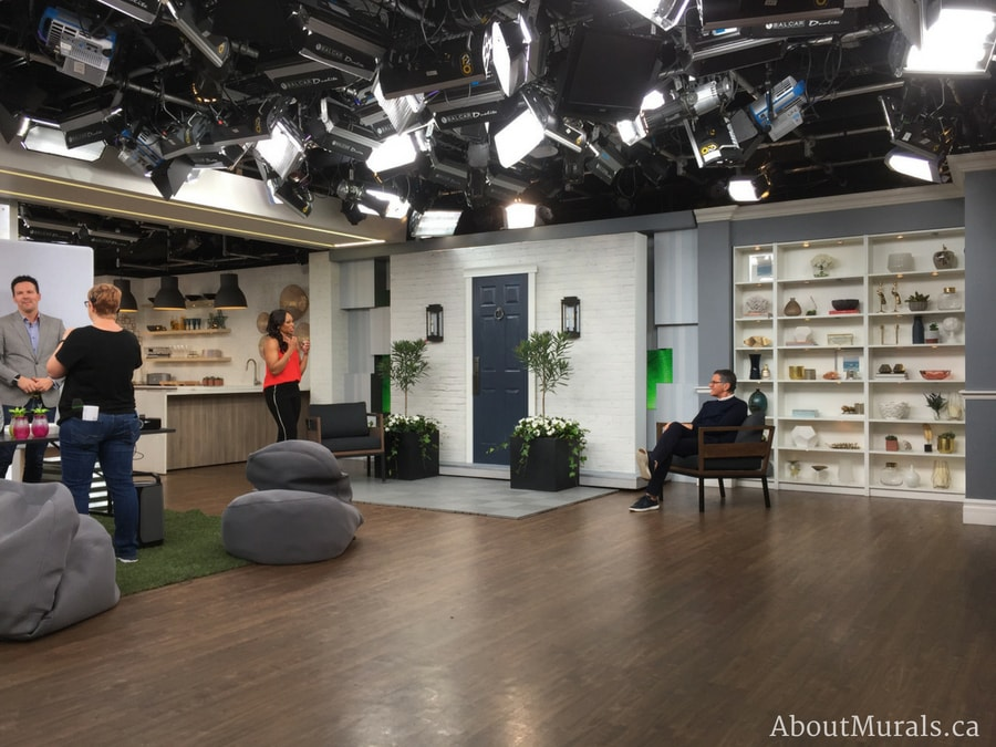 A white brick wallpaper on Cityline with Brian Gluckstein, Tracy Moore and Colin McAllister
